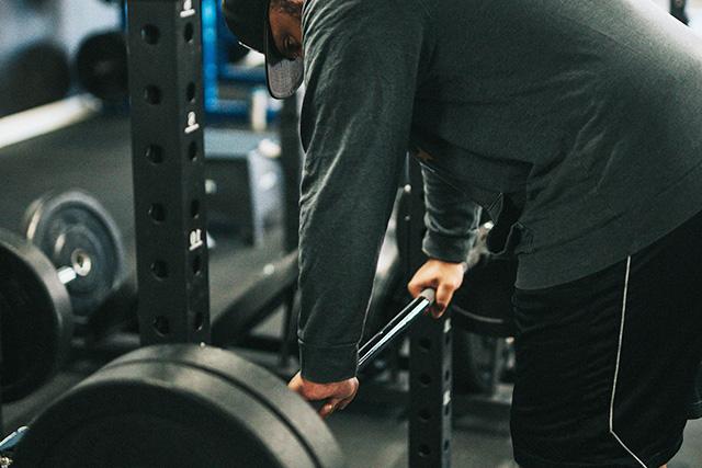 筋肉を分解するホルモンが増える