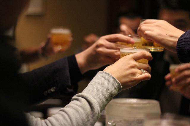 先輩や友人と飲み