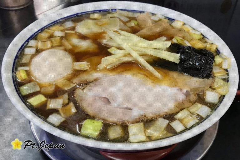 中華そば亀喜屋のワンタン麺は、レトロで最先端な味がたまらない!