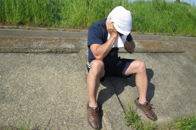 脱水&熱中症気味の男性