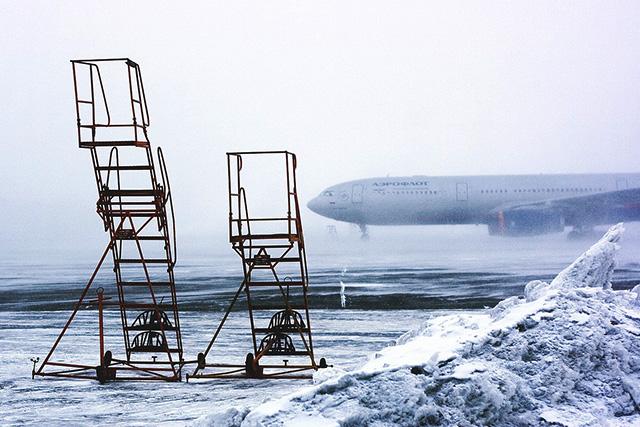大雪で閉鎖された空港