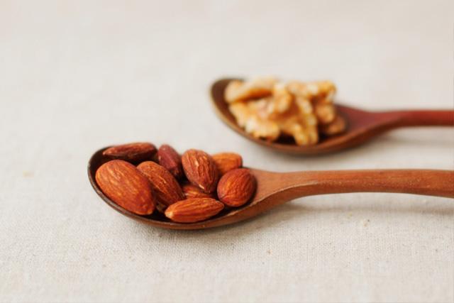 ナッツの栄養価と摂取量について